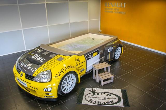 jc's garage voiture jacuzzi piscine renualt sport clio super 1600